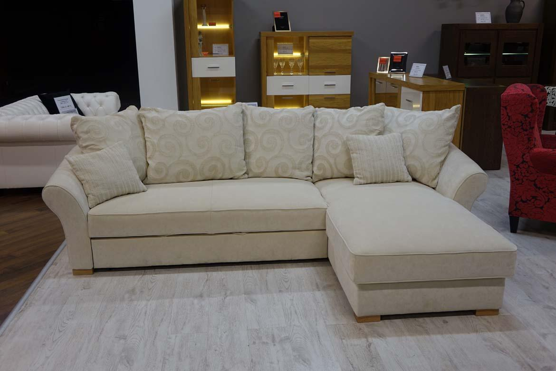 Rodzinne wi ta razem z sofami z salonu livingroom w odzi for Naroznik cobra z living roomu